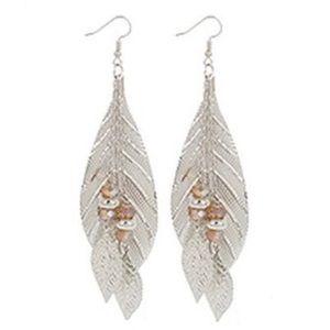 Jewelry - NWT ✨ Leaf Dangle Earrings!!